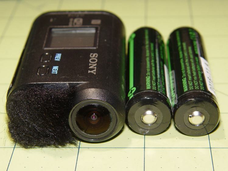 Sony HDR-AS30V vs 18650 cells - end view