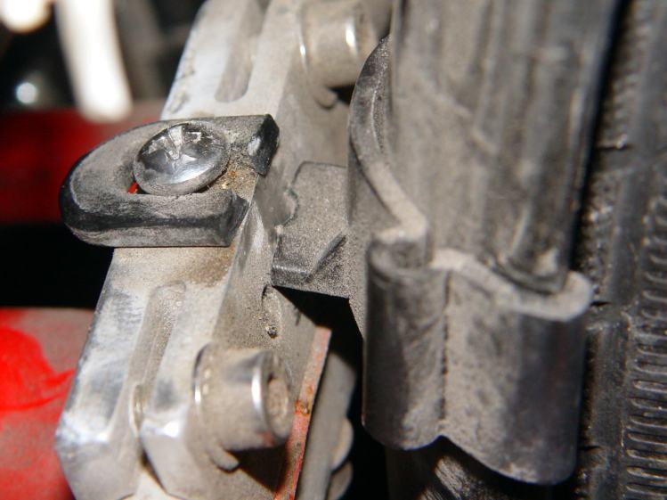Rear fender clip - broken