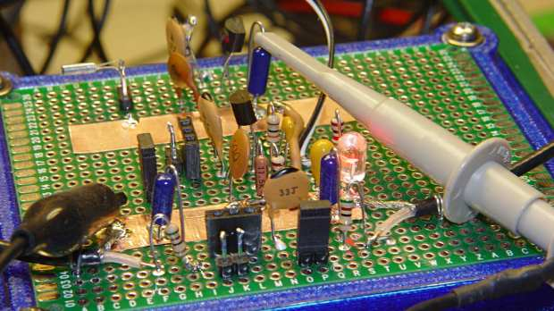 Quartz resonators - Colpitts oscillator test fixtures