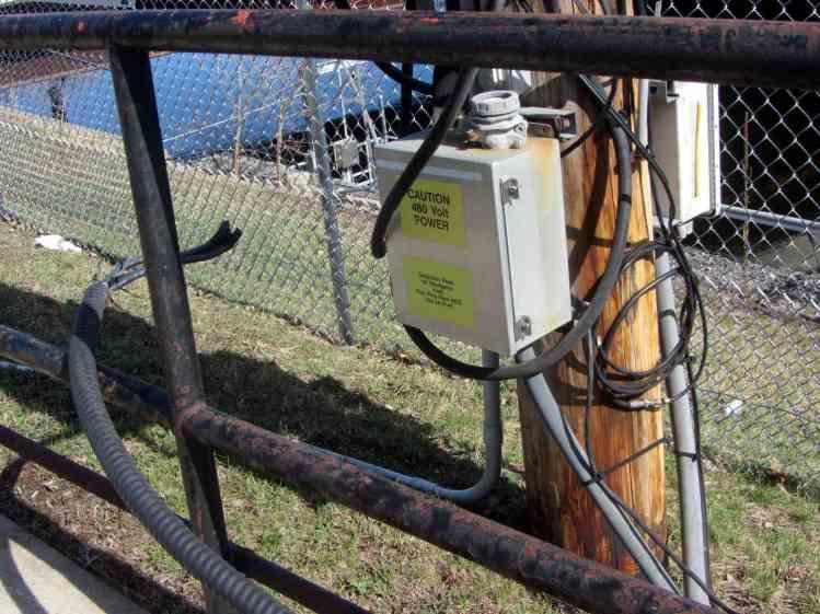 Caution 480 Volt Power