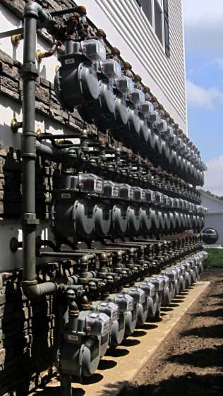 Gas meter array