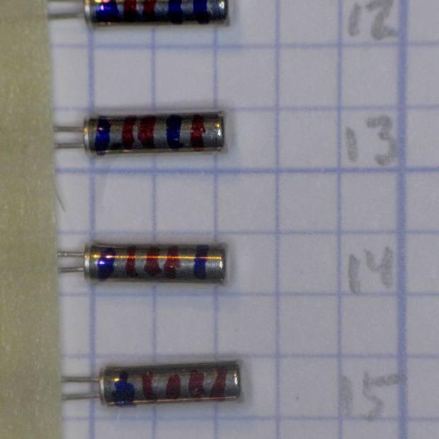 Binary marked AT26 Quartz Resonators