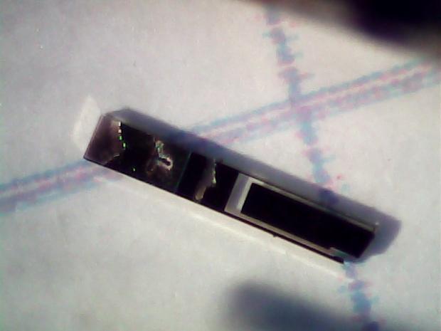 Broken 60 kHz Tuning Fork Resonator - tine detail