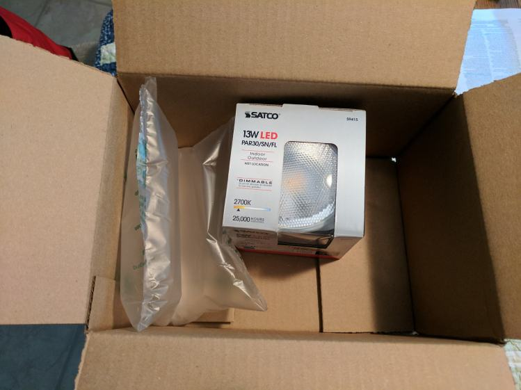 Amazon Packaging - Satco LED bulb