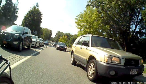 Raymond Avenue - Passing at Main Gate 1 rear - 2017-08-31