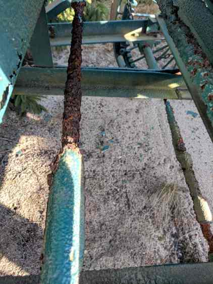 Cranberry Harvester - shaft corrosion