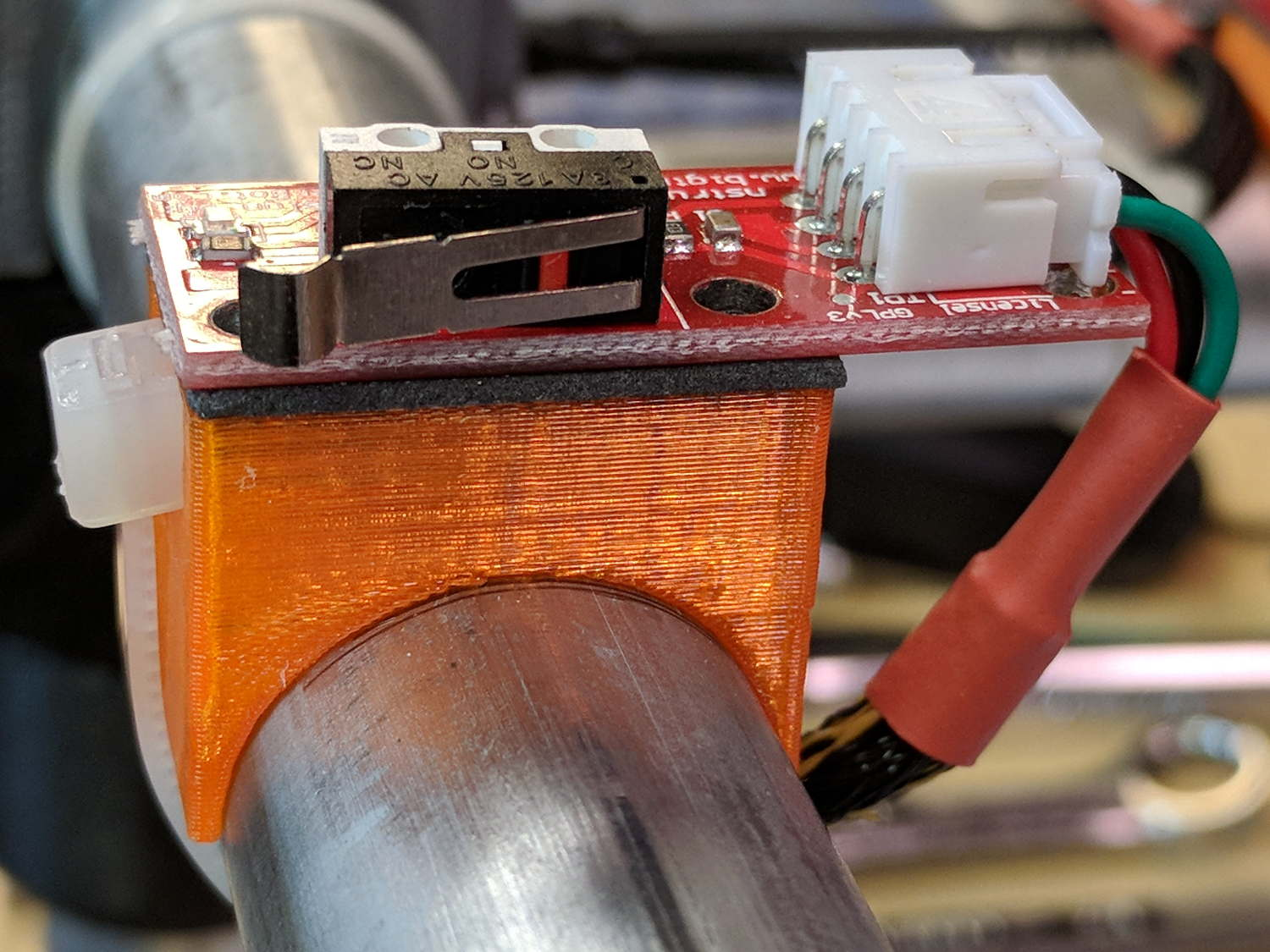 MPCNC: Re-Improved Endstop Switch Mount | The Smell of