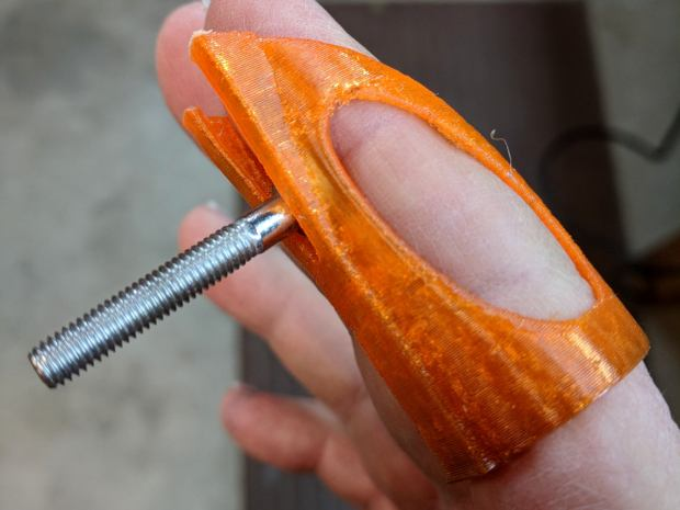 Finger Wrench