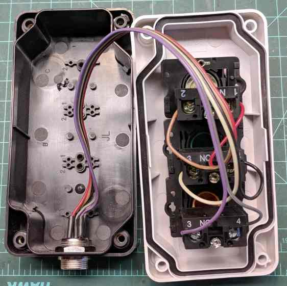 MPCNC - E-Stop switch box - interior