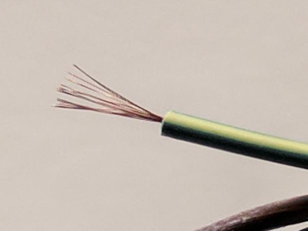 Tattoo power supply - stiff AC wire