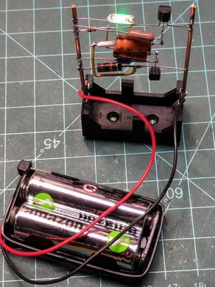 Astable Multivibrator LED Blinky - AA Alkaline mod