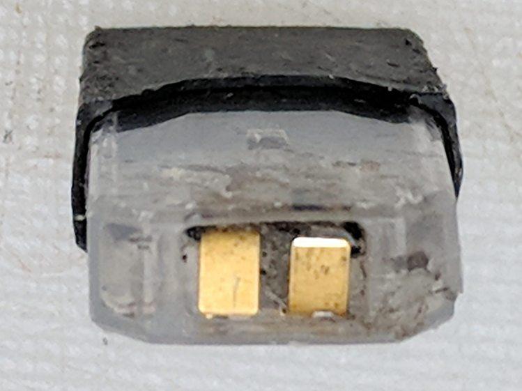 Vape cartridge - contacts