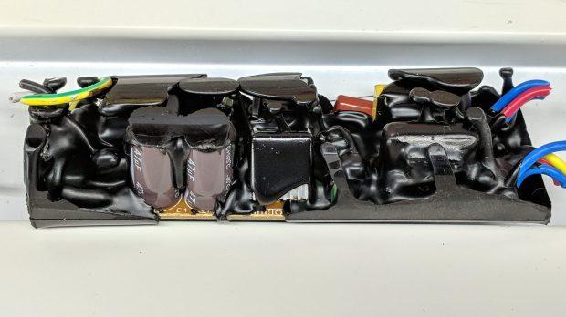 Electronic ballast - interior A