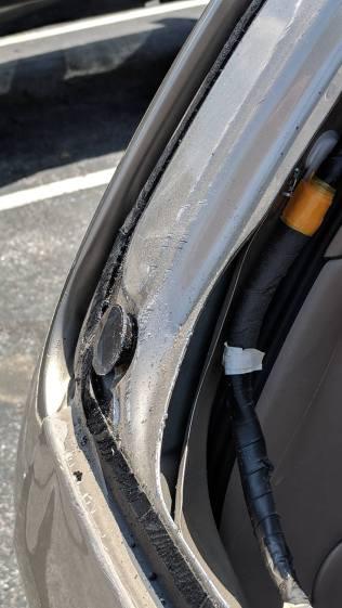 Sienna - rear window locating stud