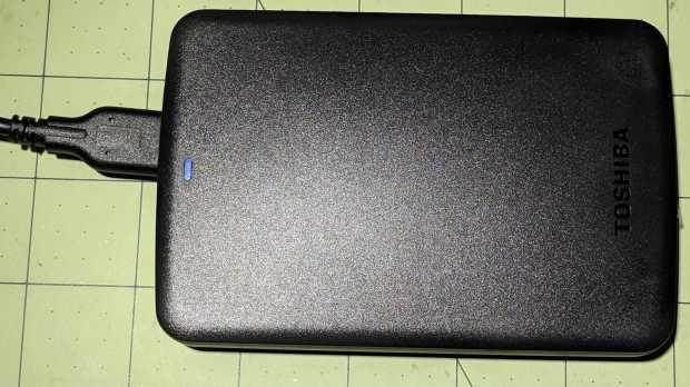 Toshiba 3 TB USB drive