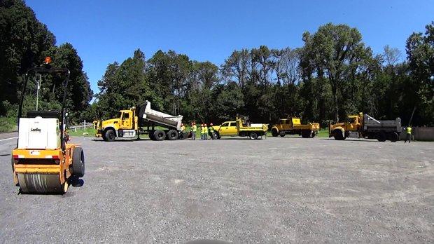 Rt 376 Road Repair Crew - marker 1110 - 2018-08-23