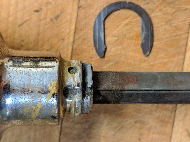 Doorknob shaft - worn retaining flange