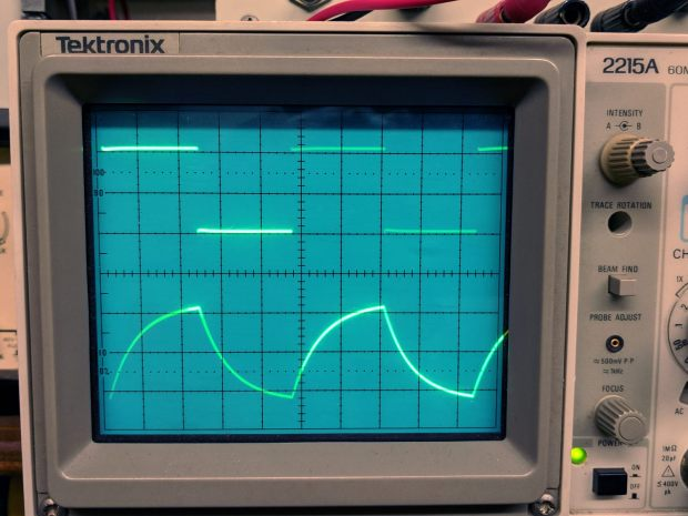 Tek 2215A oscilloscope - cap as integrator