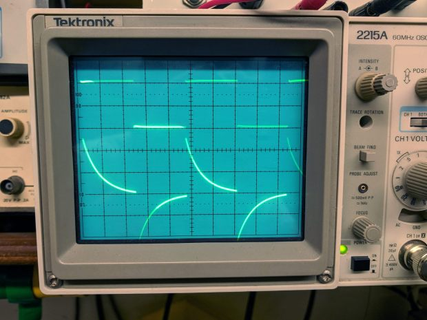 Tek 2215A oscilloscope - cap as differentiator
