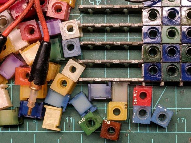 AMP Plug Board - detail