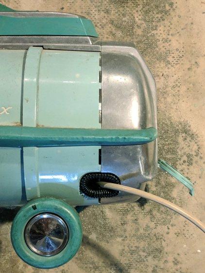 Electrolux Vacuum - cushioned cord cutout
