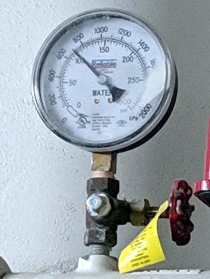 Hotel water pressure - floor 1