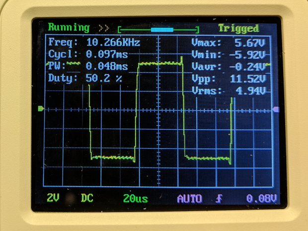 DSO150 - square wave 10 kHz 20 us-div