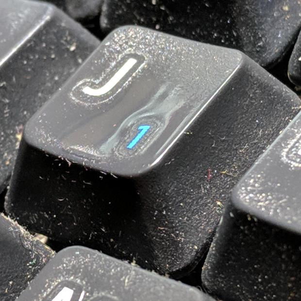 Kinesis keyboard - worn tactile bump
