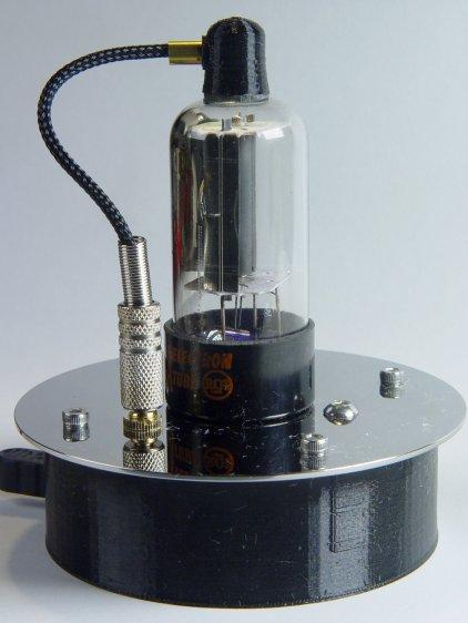 Triode - plate cap plug