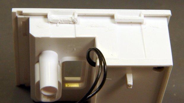 Wyze V2 - rear panel snaps