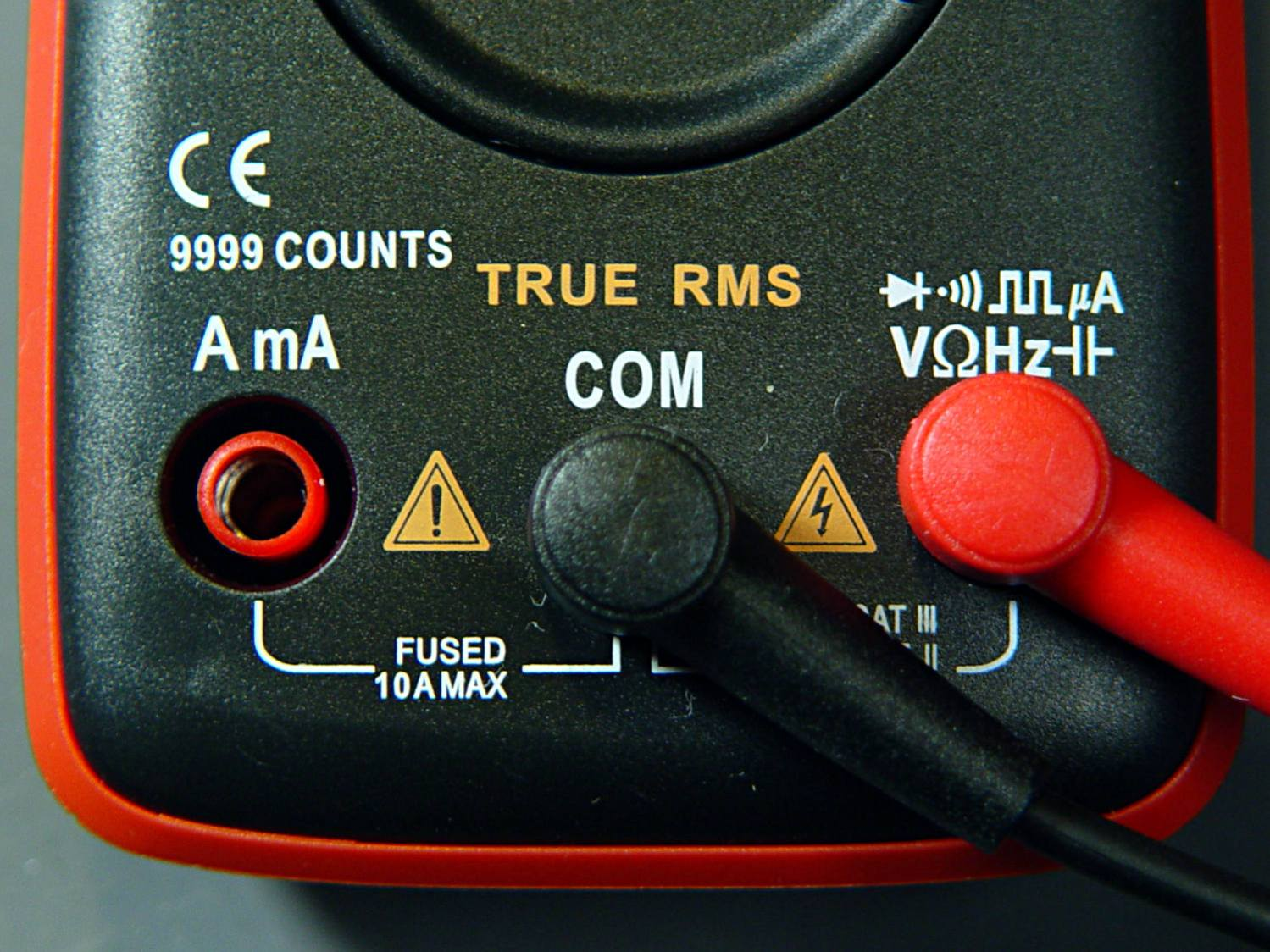 AN8008 multimeter jacks