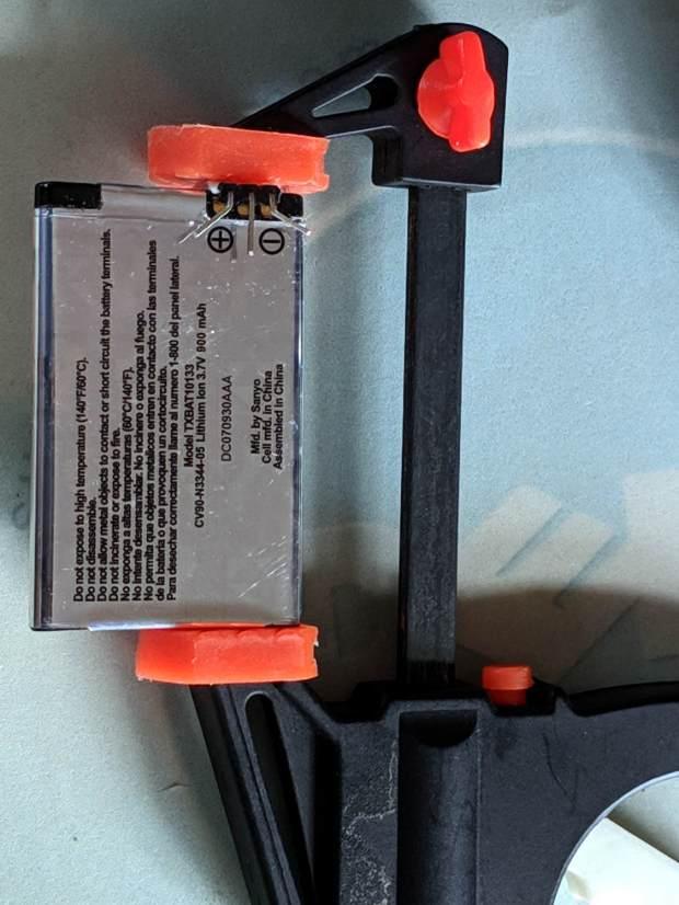 Kyocera TXBAT10133 - contact clamp