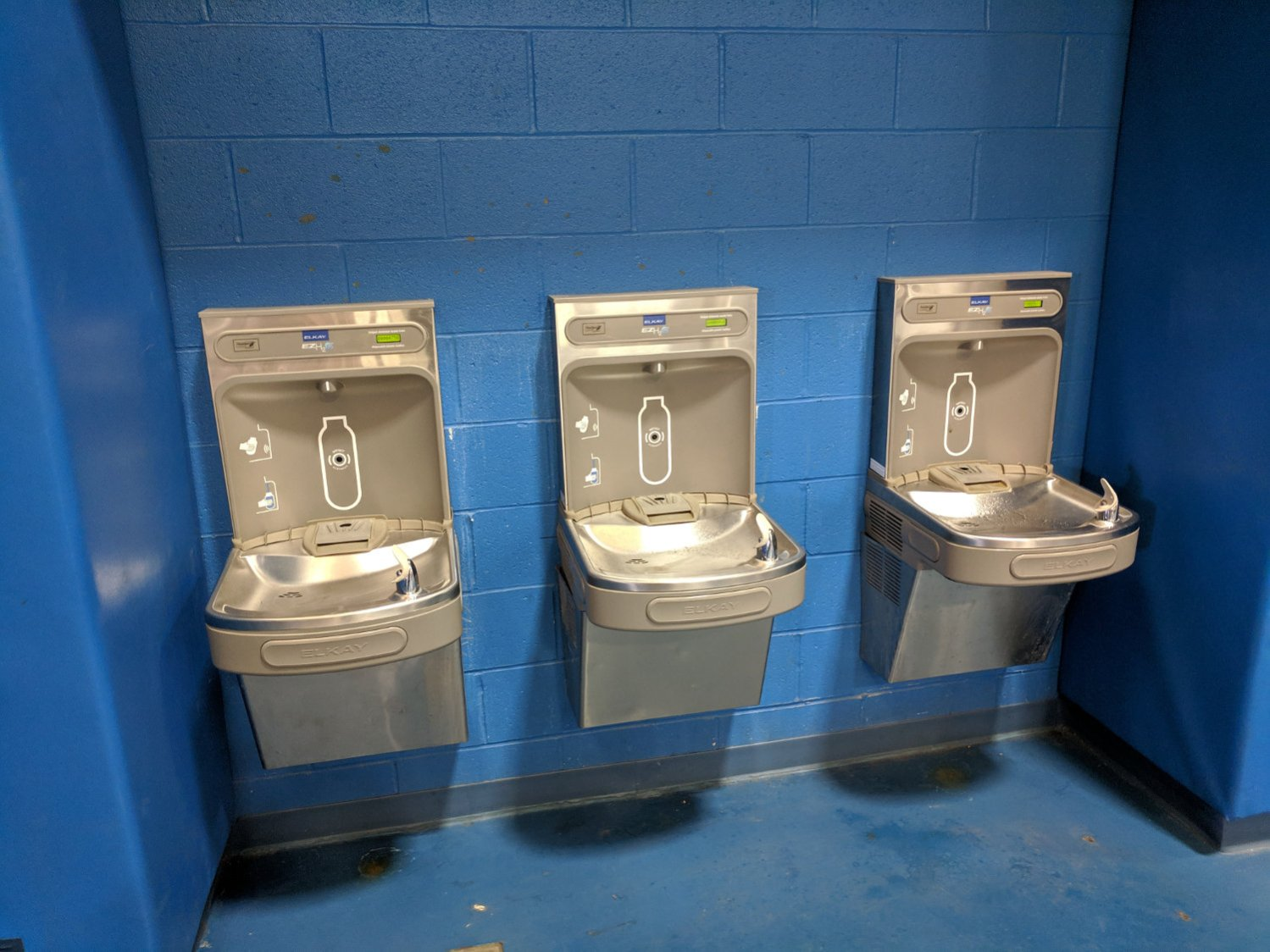 Gym water bottle refill station A - overview