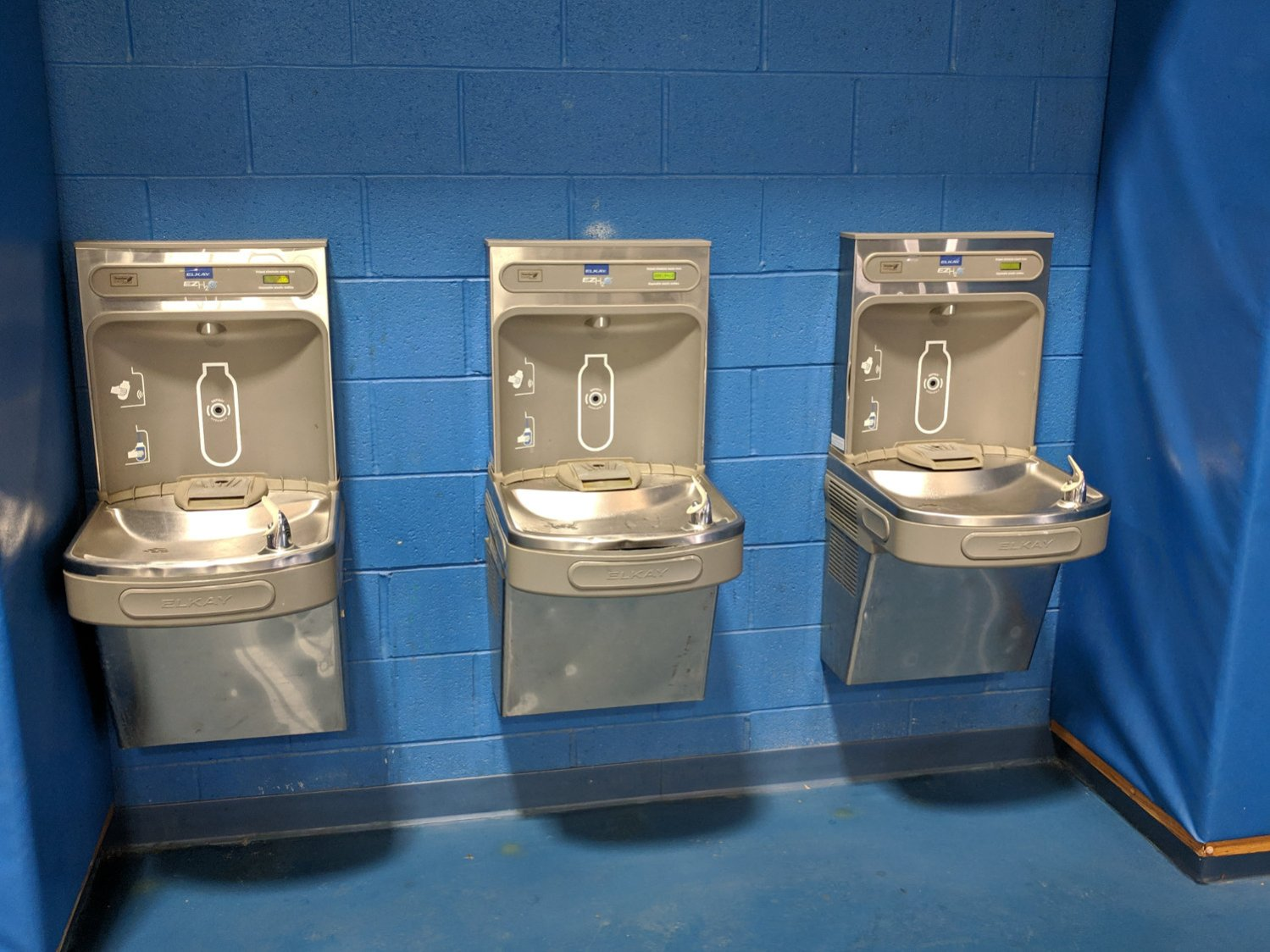 Gym water bottle refill station B - overview