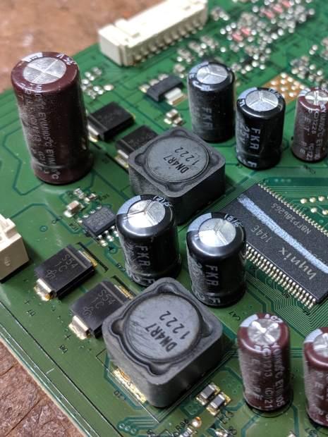 Dell U2711 Monitor - failed caps