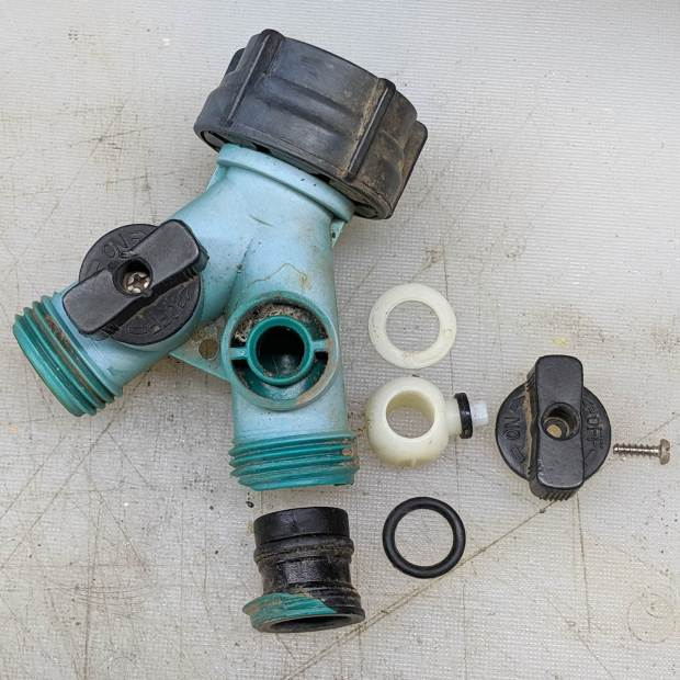 Garden Fittings - Failed Y valve - autopsy
