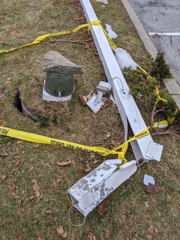 Adams crash - lamp pole detail