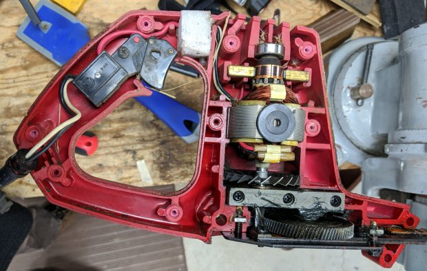 Craftsman Hedge Trimmer - innards exposed