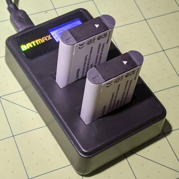Batmax NP-BX1 - USB dual charger