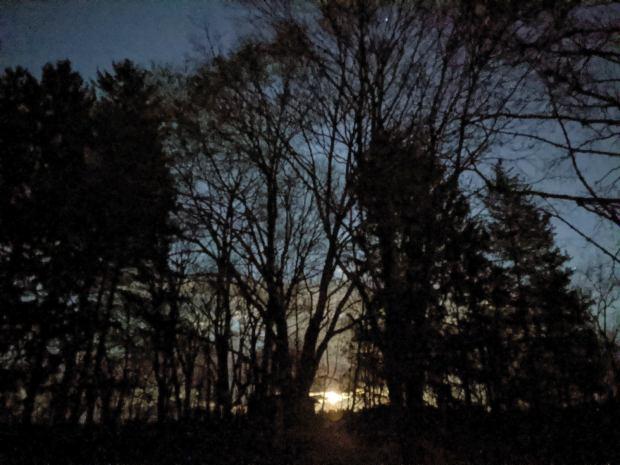 Moonrise in Red Oaks Mill - 2020-04-08