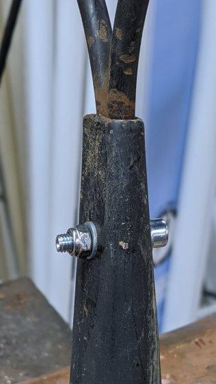 Garden rake - cross bolt