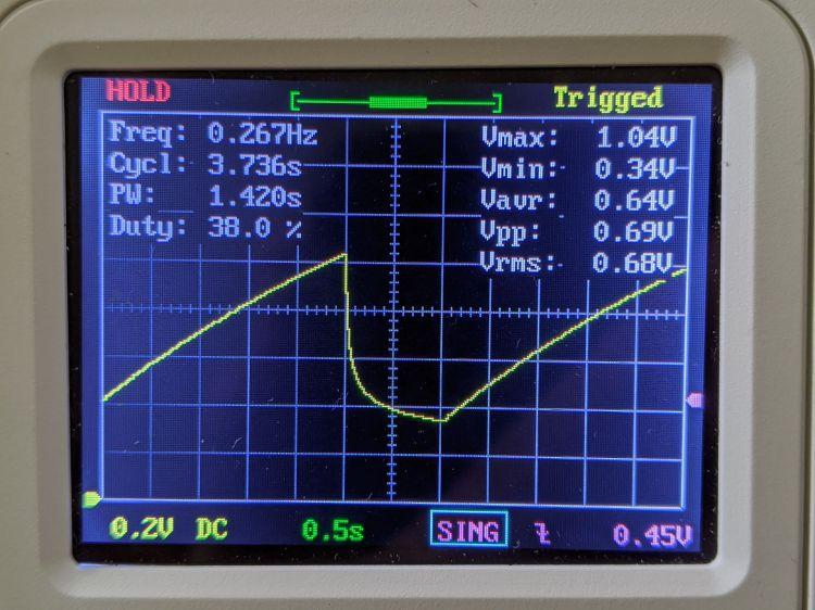 LM3909 blue - 2.0 V - C1 voltage