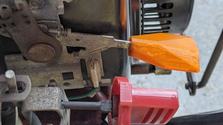 Snowthrower throttle knob - installed