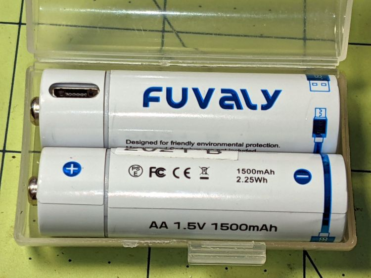 Fuvaly Bucked Lithium AA - label