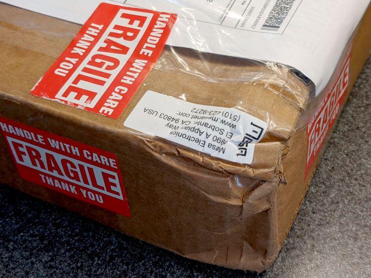 FRAGILE package damage