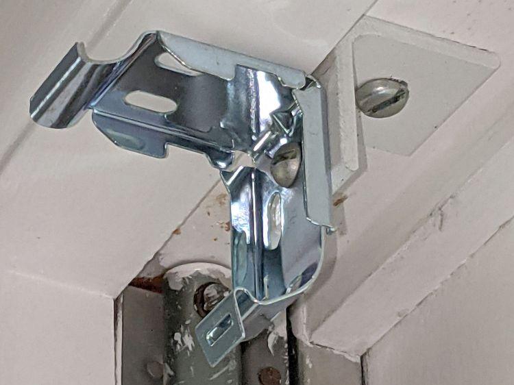 Miniblind bracket - V4 side