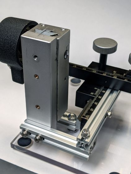 Microscope Stage Positioner - Makerbeam joints