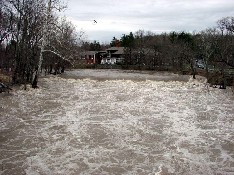 Red Oaks Mill Dam - 2007-04-17